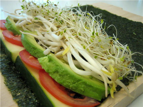 Raw Recipe: Healthy Vegetable Sushi Nori Rolls - Squawkfox