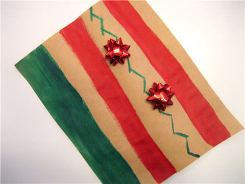 gift_wrapping_paint_stripes.jpg