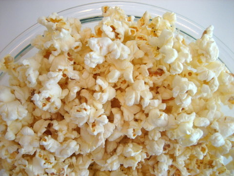 Paper bag popcorn: How to microwave popcorn in a paper bag - Squawkfox