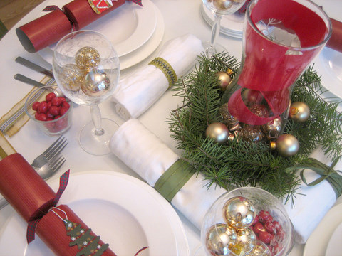 Decorations 5 Ways To Decorate Your Holiday Table On A Budget