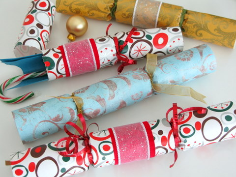 Marvelous How To Make Your Own Christmas Crackers Squawkfox Easy Diy Christmas Decorations Tissureus