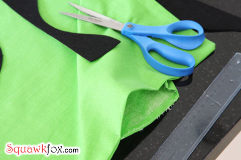 homemade halloween costumes & Make a last minute Halloween costume with an old pillowcase - Squawkfox